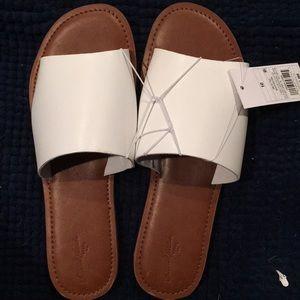 🎁🎁White slide sandals.